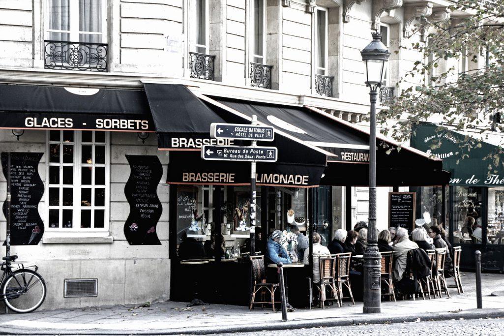 Cafés et Bars dans la ville des lumières
