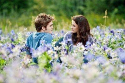 Un vampire et sa belle, tous deux amoureux