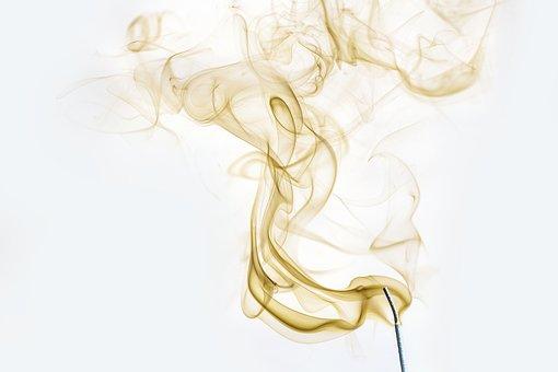 Les utilisations de l'encens par les chamanes et guérisseurs à travers l'histoire