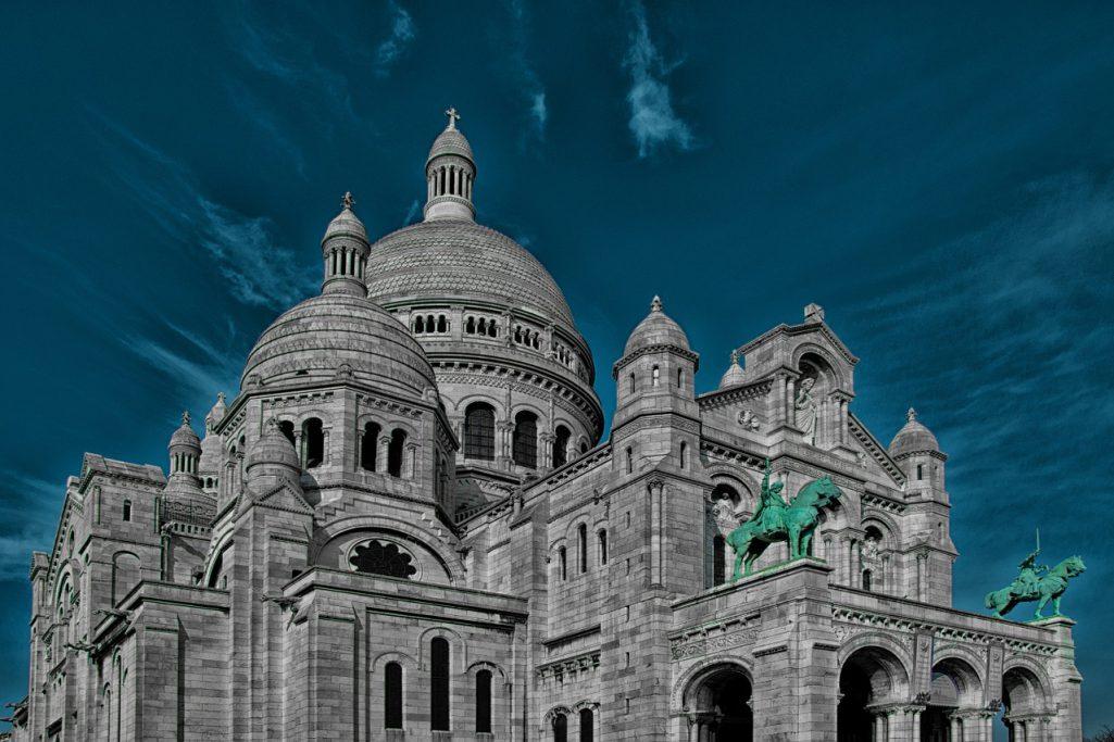 Sacré Cœur de Paris en bleu